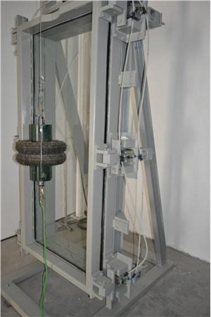 玻璃双轮胎冲击试验机成功交付