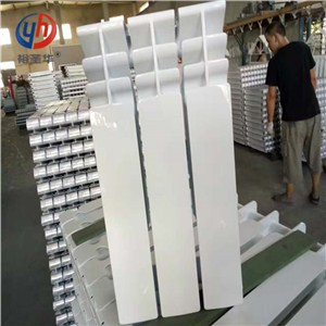 ur7006-600双水道压铸铝合金散热器(材质,厂家,排名)_裕圣华